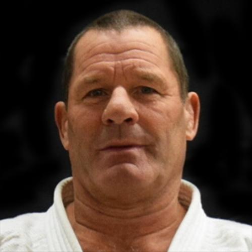 6e Dan judo en een begrip in de judo wereld. Verantwoordelijk voor alle judoka's binnen Rebelsport en de grondlegger van ons technisch niveau.